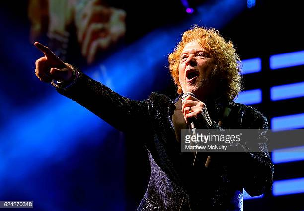 Mick Hucknall of Simply Red performs at Manchester Arena on November 18 2016 in Manchester United Kingdom