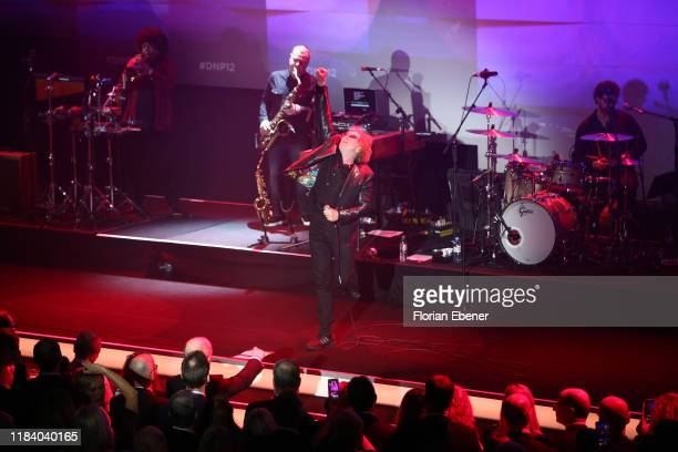 Mick Hucknall of Simply Red performs on stage during the German Sustainability Award at Maritim Hotel on November 22, 2019 in Duesseldorf, Germany.