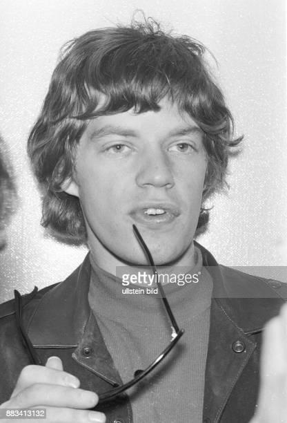 Mick Jagger Musiker Saenger Grossbritannien Saenger der Rockgruppe Rolling Stones beim Konzert der Rolling Stones in der Ernst Merck Halle in Hamburg...