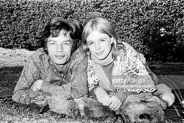 30 Hochwertige Mick Jagger And Marianne Faithfull In Australia ...