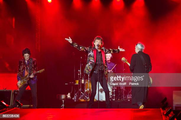 Mick Jagger Ron Wood Keith Richards and Charlie Watts from The Rolling Stones perform at U Arena on October 19 2017 in Nanterre France