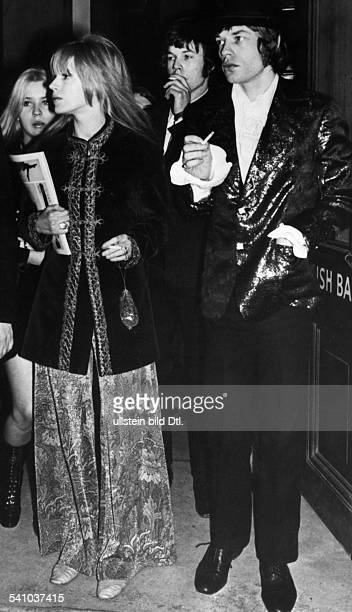 Marianne faithfull mick jagger pictures and photos getty images mick jaggermusiker saenger grossbritannien saenger der rockgruppe rolling stonesmit der sngerin marianne faithfull 1967 altavistaventures