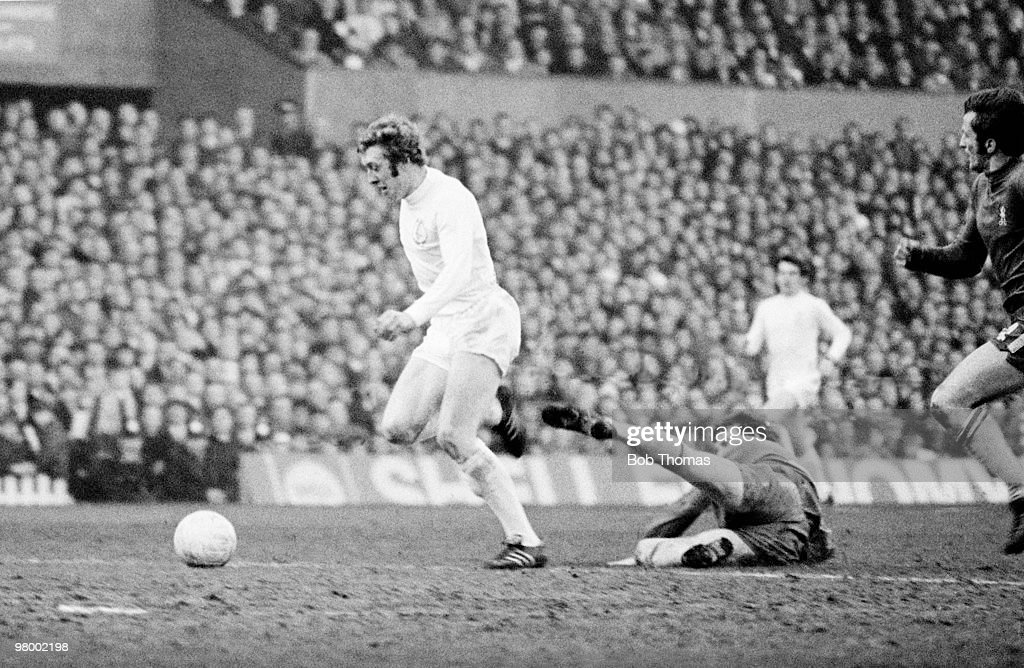 Mick Jones runs through the Chelsea defence to score for Leeds United during the FA Cup Final Replay at Old Trafford in Manchester, 29th April 1970. Chelsea won 2-1 after extra-time.