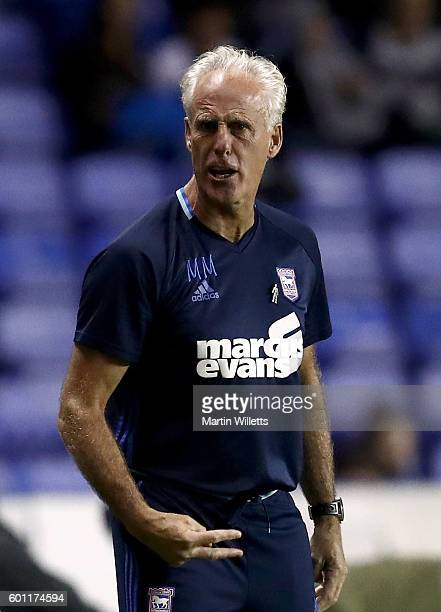Mick McCarthy manager of Ipswich Town gestures to referee Jeremy Simpson during the Sky Bet Championship match between Reading and Ipswich Town at...