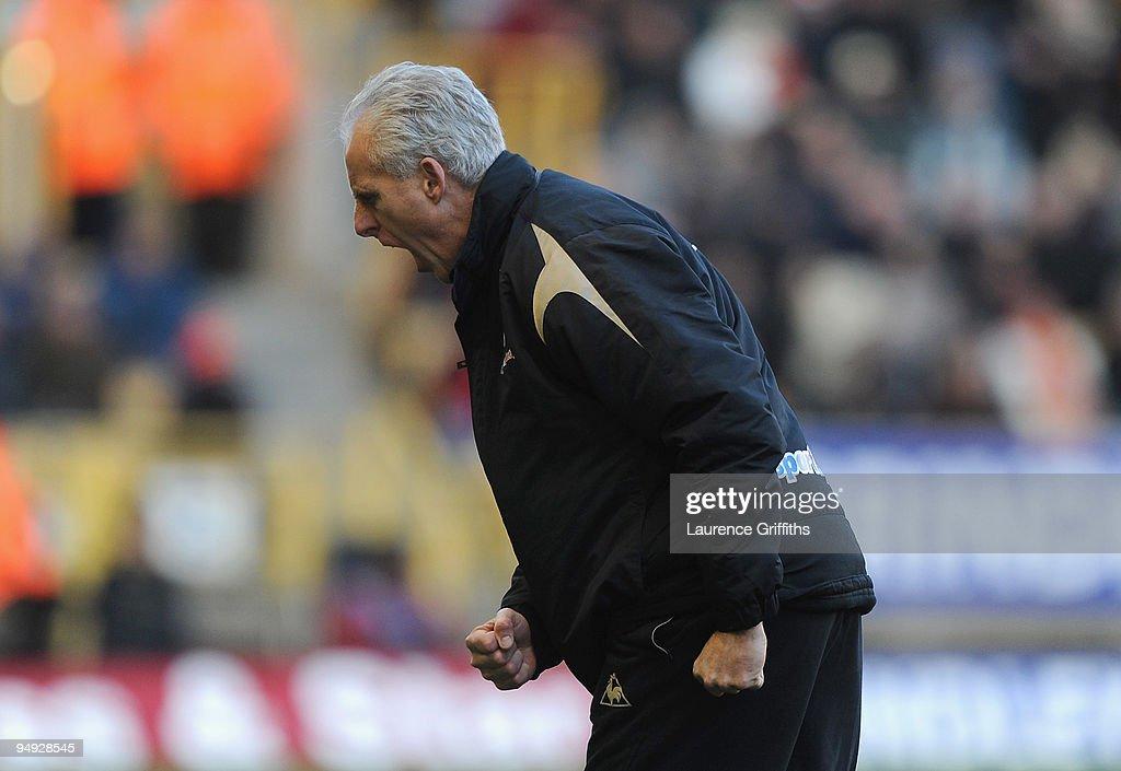 Wolverhampton Wanderers v Burnley - Premier League : News Photo