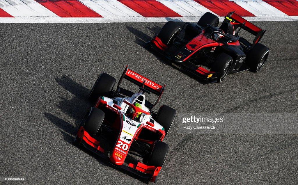 Formula 2 Championship - Round 11:Sakhir - Sprint Race : News Photo