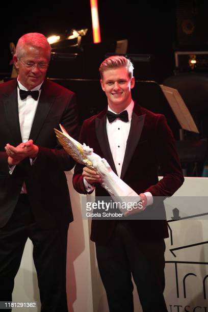 Mick Schumacher son of Michael Schumacher with the Pegasos Award for Sportler mit Herz during the German Sports Media Ball at Alte Oper on November 9...
