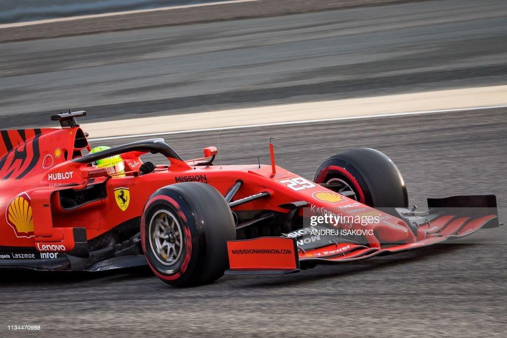 AUTO-F1-PRIX-BAHRAIN-TEST : News Photo