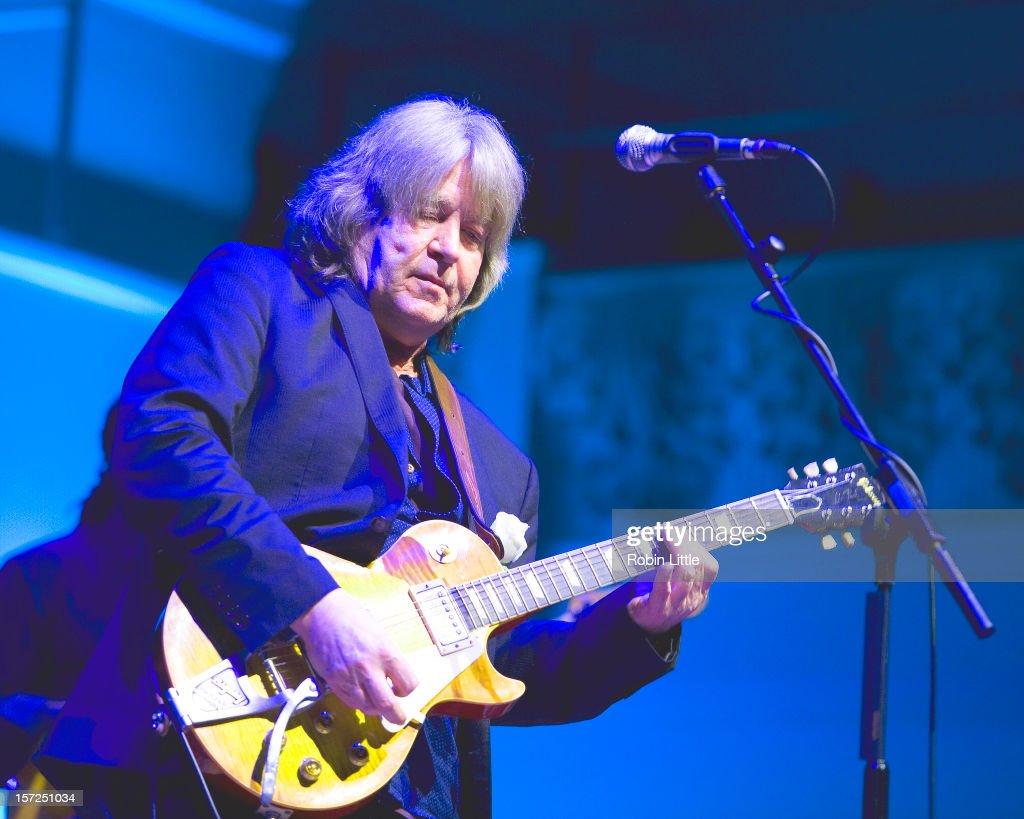 Mick Taylor Performs At Cadogan Hall : News Photo
