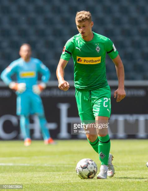 Mickael Cuisance of Borussia Moenchengladbach controls the ball during the friendly match between Borussia Moenchengladbach and FC WegbergBeeck at...
