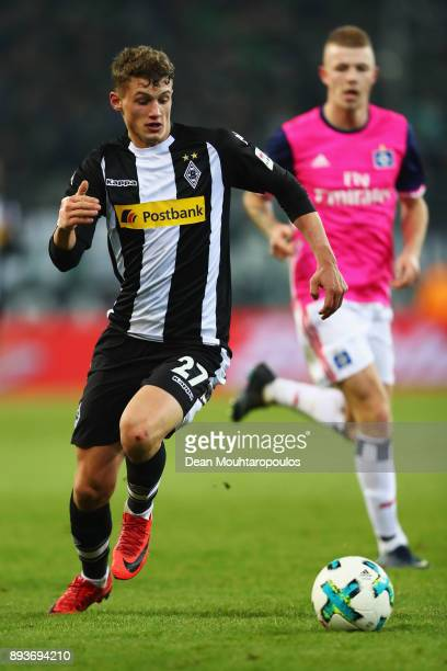 Mickael Cuisance of Borussia Monchengladbach in action during the Bundesliga match between Borussia Moenchengladbach and Hamburger SV at BorussiaPark...