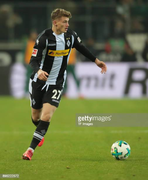 Mickael Cuisance of Moenchengladbach controls the ball during the Bundesliga match between Borussia Moenchengladbach and FC Schalke 04 at...