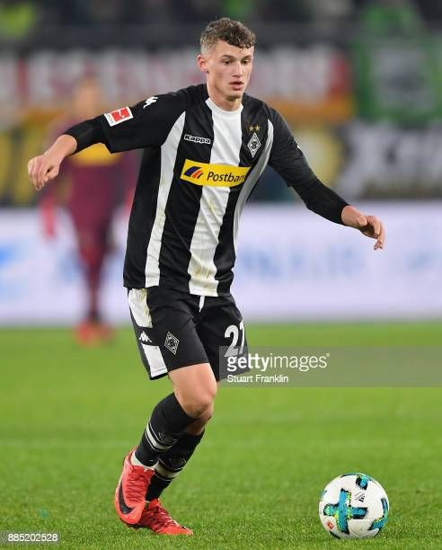 Mickaël Cuisance of Gladbach in action during the Bundesliga match between VfL Wolfsburg and Borussia Moenchengladbach at Volkswagen Arena on...