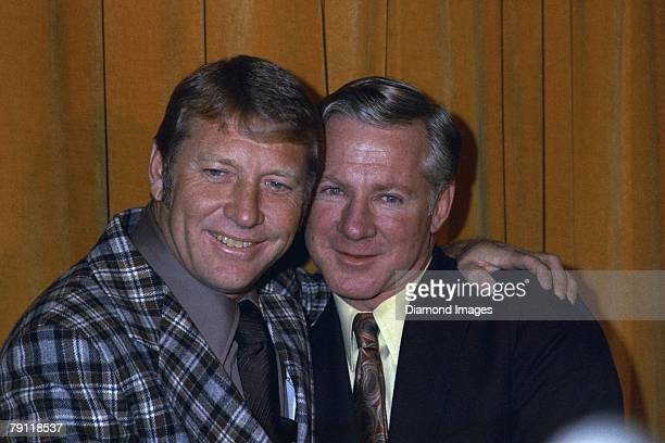 Mickey Mantle former centerfielder for the New York Yankees and Whitey Ford former Yankees' pitcher pose for the cameras at a press conference in New...