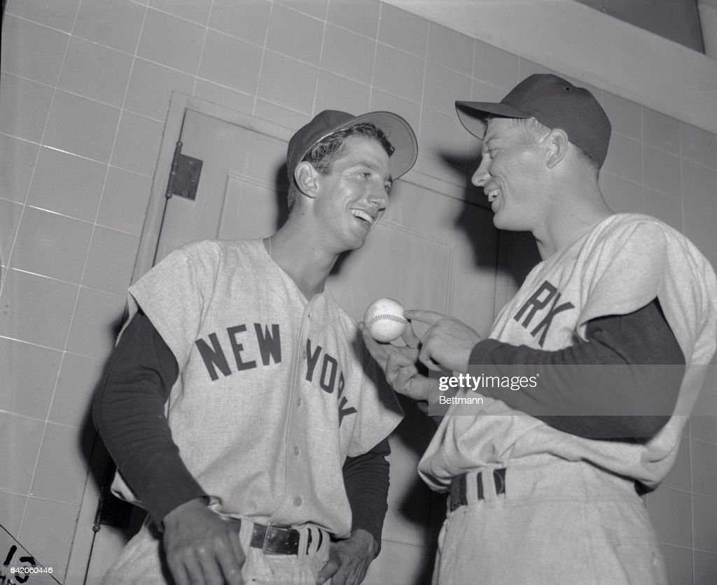 Mickey Mantle and Billy Martin Discussing Baseball : News Photo