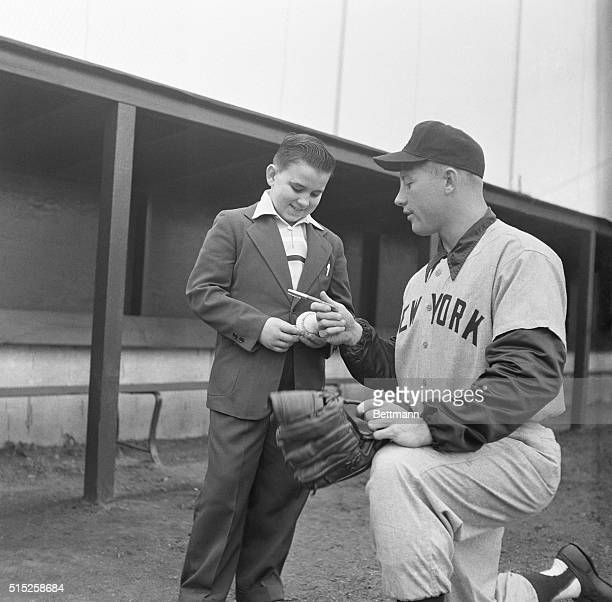 Mickey Mantle Signing Autograph for Boy