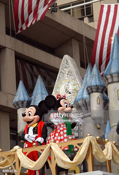 Mickey Mouse and Minnie Mouse wave to the crowd during the 6ABC/IKEA Thanksgiving Day Parade November 27, 2008 in Philadelphia, Pennsylvania. The...