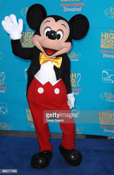 Mickey Mouse arrives at the premiere of 'High School Musical 2' at the Downtown Disney District at Disneyland Resort on August 14 2007 in Anaheim...