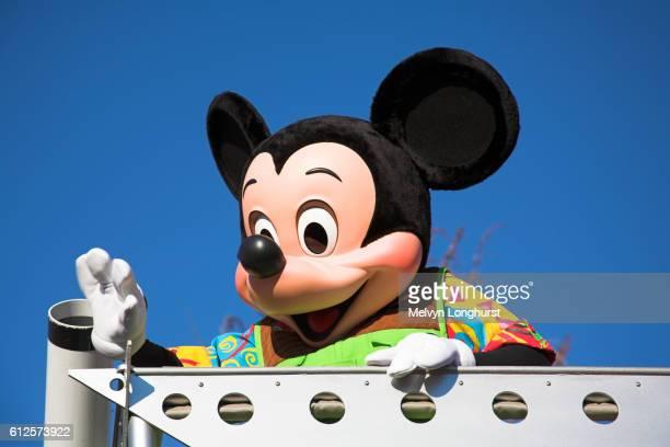mickey mouse, mickey?s jammin jungle parade, animal kingdom, disney world, orlando, florida, usa - disney's_animal_kingdom stock pictures, royalty-free photos & images