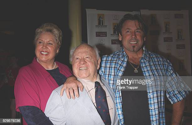 Mickey Rooney his wife Jan and his son Chris arrive at the premiere of The Human Stain
