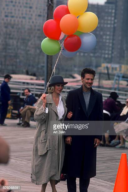 Mickey Rourke with Kim Basinger during the filming of 9 1/2 Weeks 1986 on Coney Island