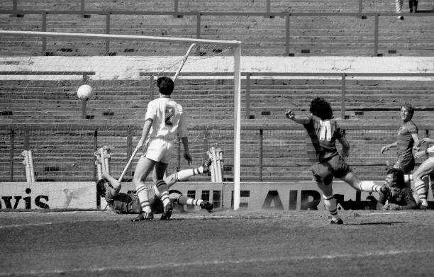 Mickey Thomas of Chelsea scores a goal during the English Division Two match between Chelsea and Leeds United held on April 28, 1984 at Stamford...