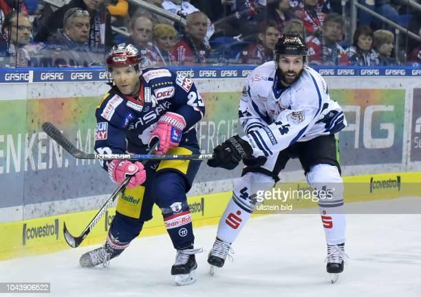 Micki DuPontLevko KoperEisbaeren Berlin vs Straubing Tigers Eishockey DEL Saison 2017/2018 in der Mercedes Benz Arena Berlin Deutschland