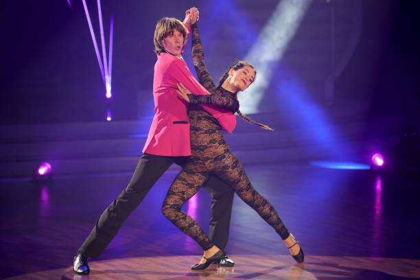 """DEU: """"Let's Dance"""" 4th Show"""