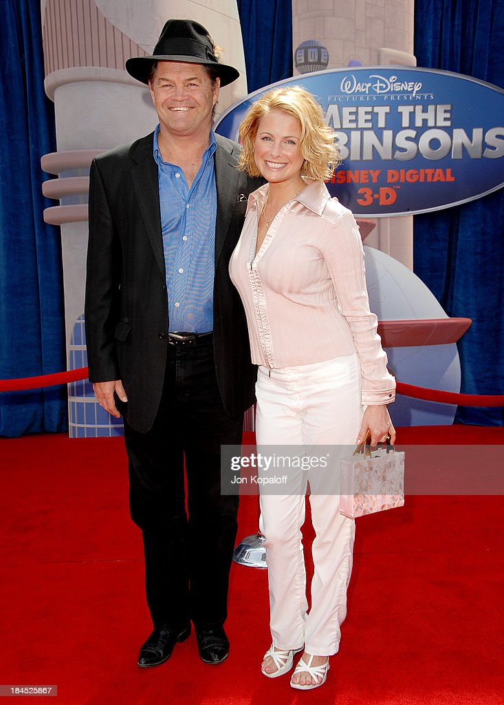 Meet The Robinsons Los Angeles Premiere - Arrivals : News Photo
