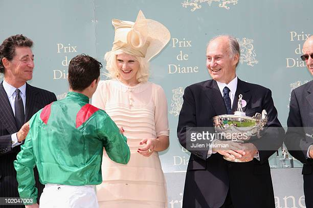 Micky Green and SAR Aga Khan pose during the 161th Prix de Diane horse racing on June 13 2010 in Chantilly north of Paris Sarafina gives trainer...