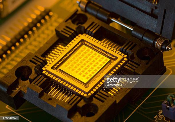 Microchip with fuel cells, close up