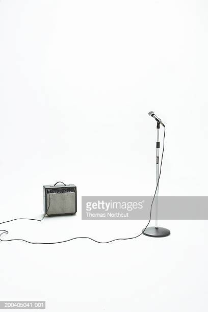 Microphone and amplifier