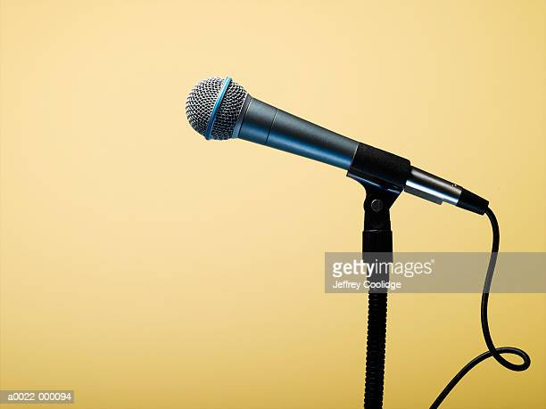 microphone on stand - micro photos et images de collection