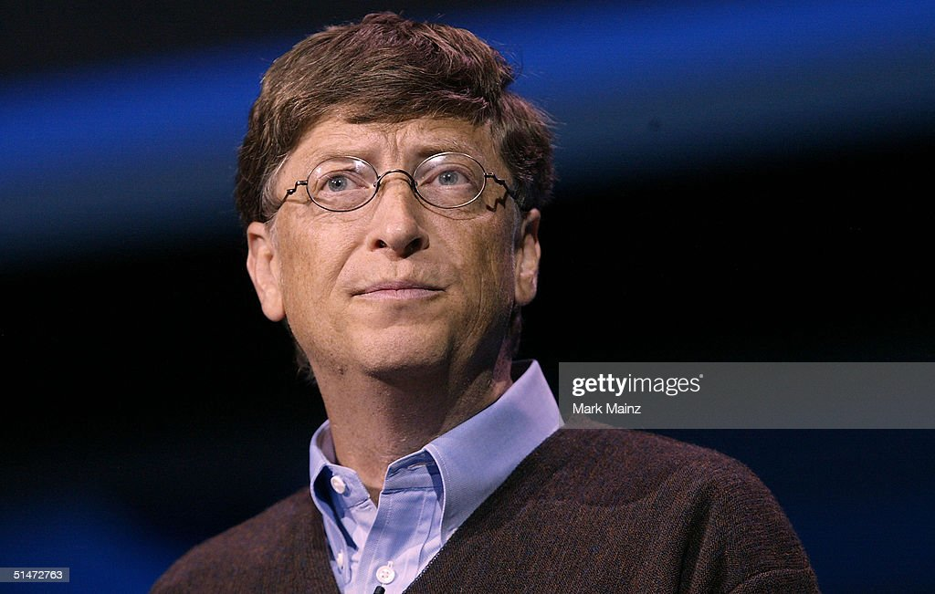Bill Gates Unveils The Latest Digital Devices : Photo d'actualité