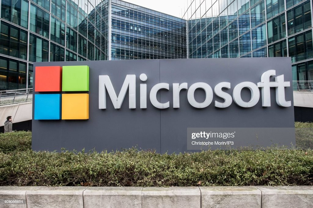IA Microsoft  Opens A School at Issy Les Moulineaux : News Photo