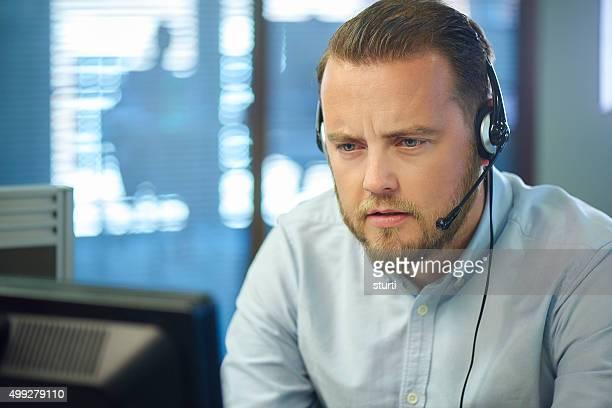 Adulte contacter le gestionnaire de centre d'appels