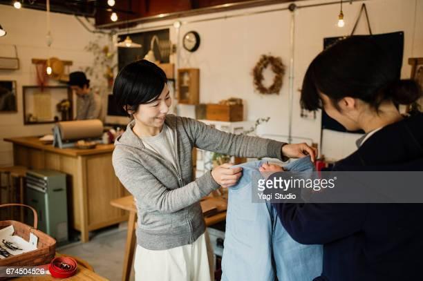 直営店で働く 30 代の男性