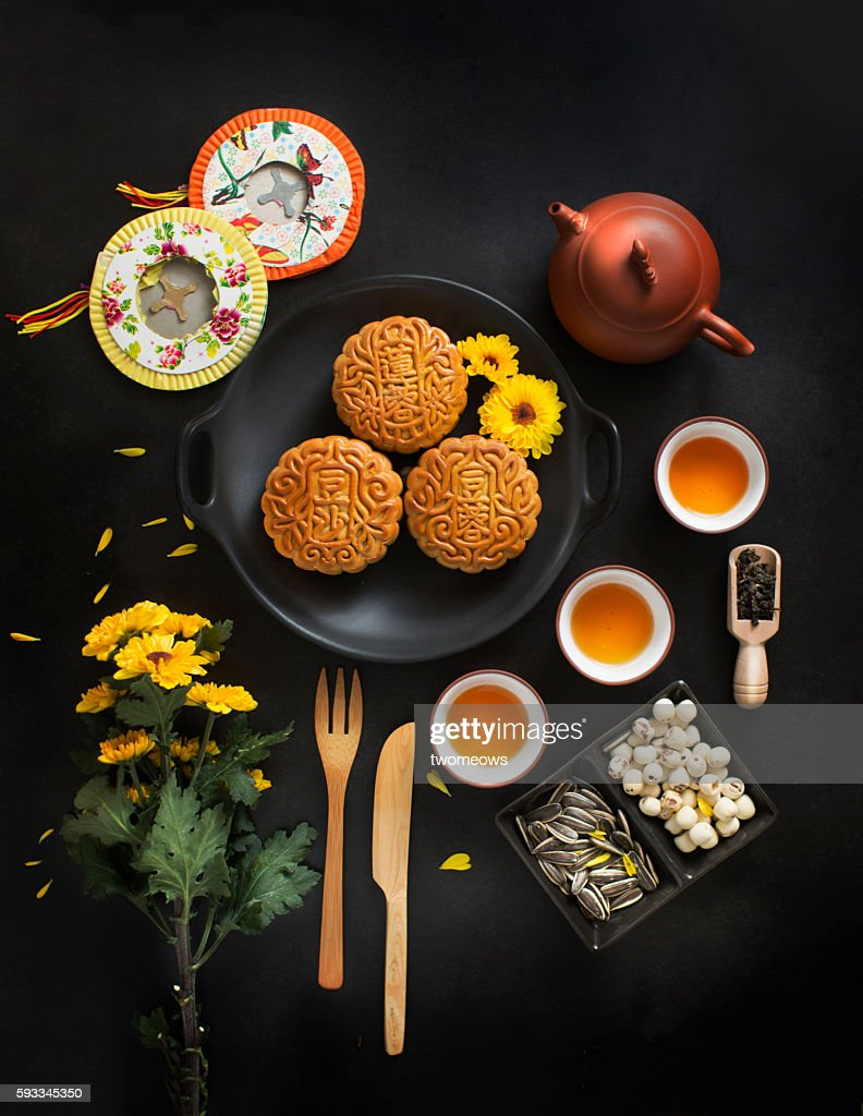 Mid autumn festival table top shot. : Stock Photo