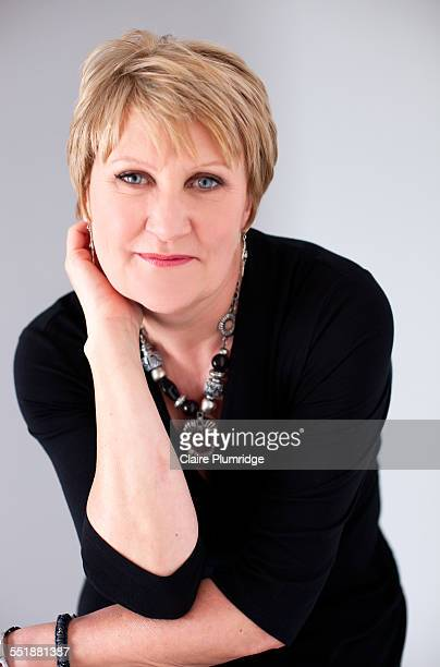 middle age woman having a photo shoot - ウェスト・バークシャー ストックフォトと画像
