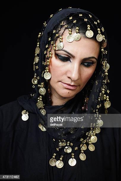 中東イスラム教徒の女性 - iranian culture ストックフォトと画像