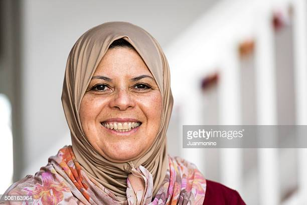 florida middle eastern single women Jobs for unskilled women over 50 by ron white  based in central florida,  he holds a bachelor of arts degree in journalism from eastern illinois university.