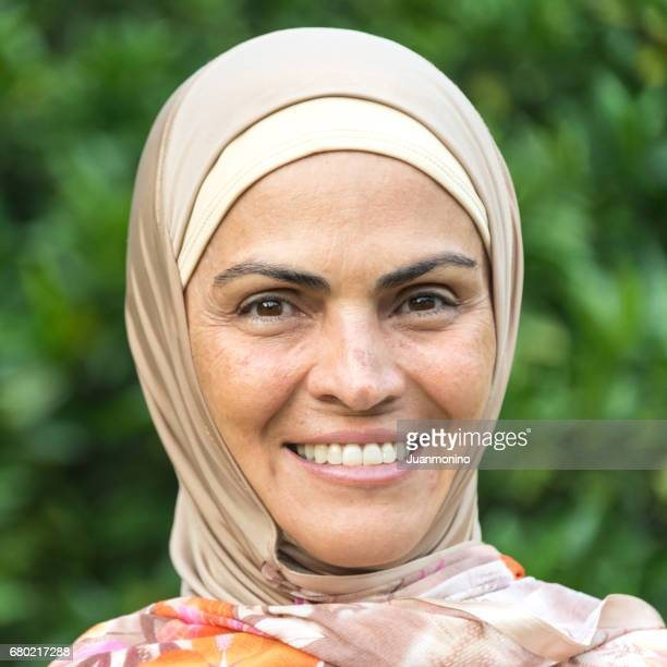 middle eastern woman - north africa stock pictures, royalty-free photos & images