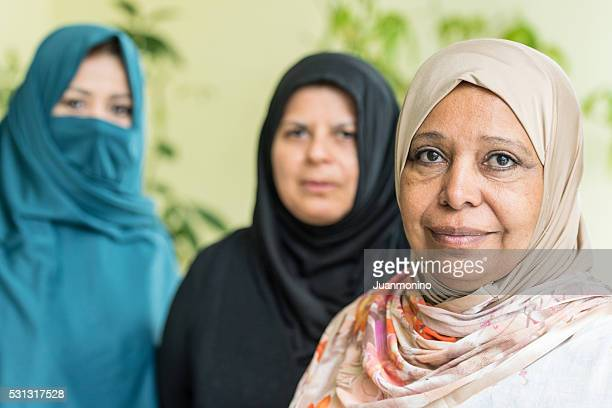middle eastern women - syrian culture stock photos and pictures