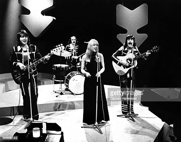 Middle of The Road perform live on Top Pop TV programme at Hilversum Studios Holland in 1972 LR Eric McCredie Ken Andrew Sally Carr Ian McCredie