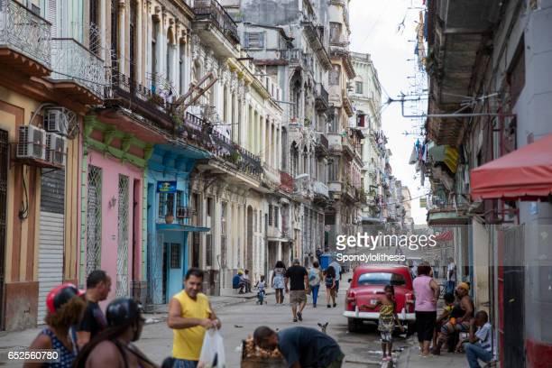 centro calle de la habana, cuba - habana vieja fotografías e imágenes de stock