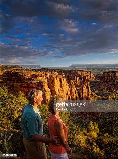middle-aged couple at colorado national monument - colorado national monument stock-fotos und bilder