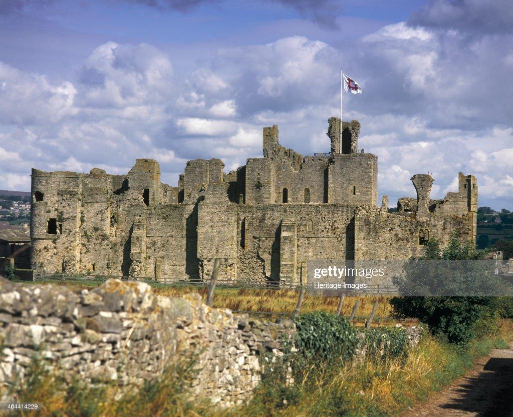 Middleham Castle, North Yorkshire, 1998. : News Photo