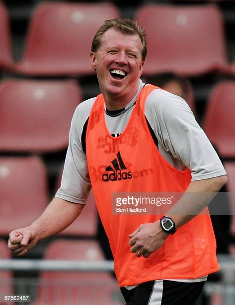 Middlesbrough FC manager and newlyappointed England manager Steve McClaren smiles as he attends a training session prior to the UEFA Cup Final...