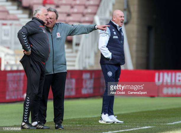 Middlesbrough manager Neil Warnock speaks with his assistant Kevin Blackwell during the Sky Bet Championship match between Middlesbrough and Queens...