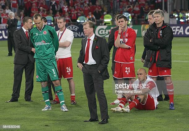 Middlesbrough manager Steve McLaren with his team after their 40 defeat by Seville in the UEFA Cup Final at Eindhoven on May 10 2006